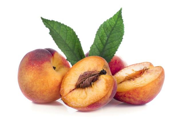 peach with leaf isolated white 38145 93 - เลือกซองอั่งเปาอย่างไรให้เหมาะสมกับผู้รับ